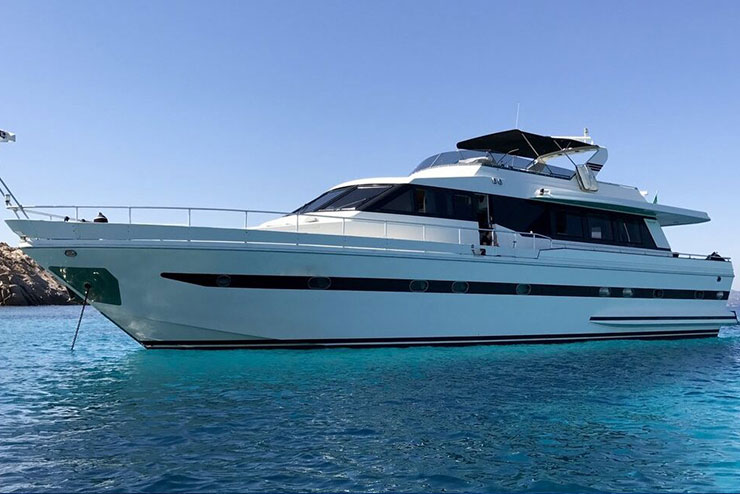 rent luxury yachts boats sardinia Falcon 16 - special charter