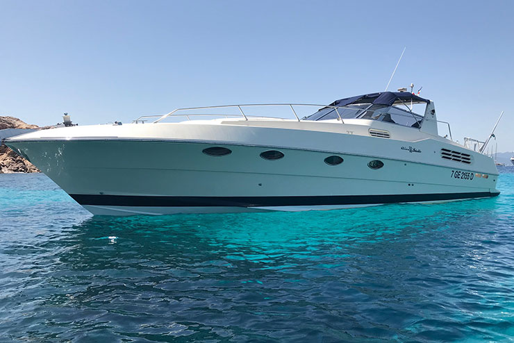 Rent luxury yacht Riva Diable 50 Sardinia - Special Charter